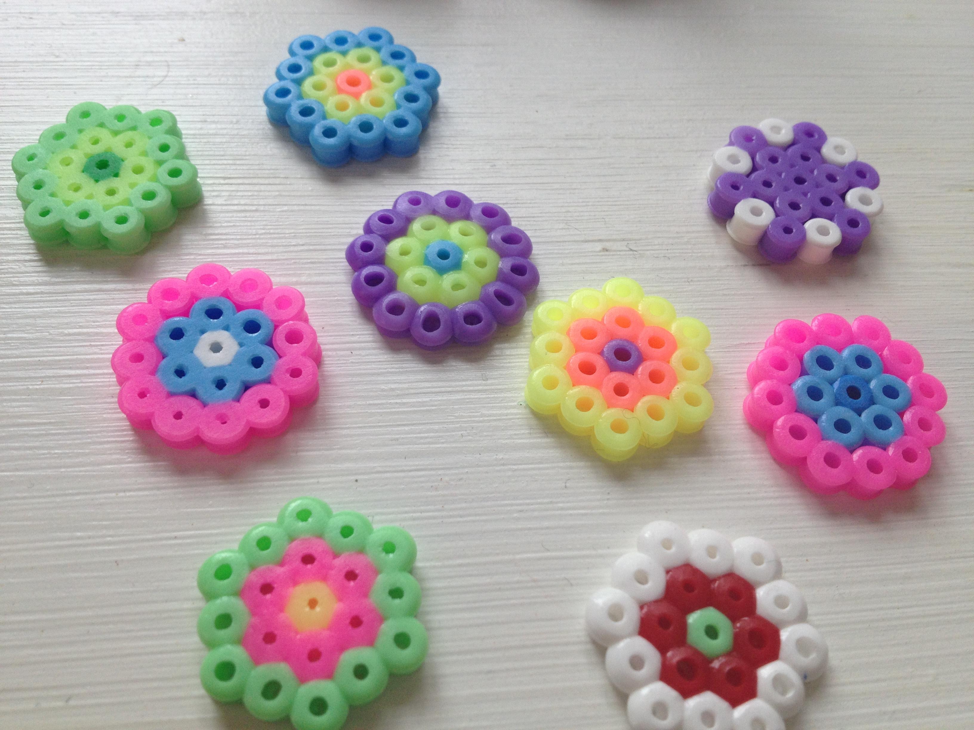Magnete aus Bügelperlen : Blumen