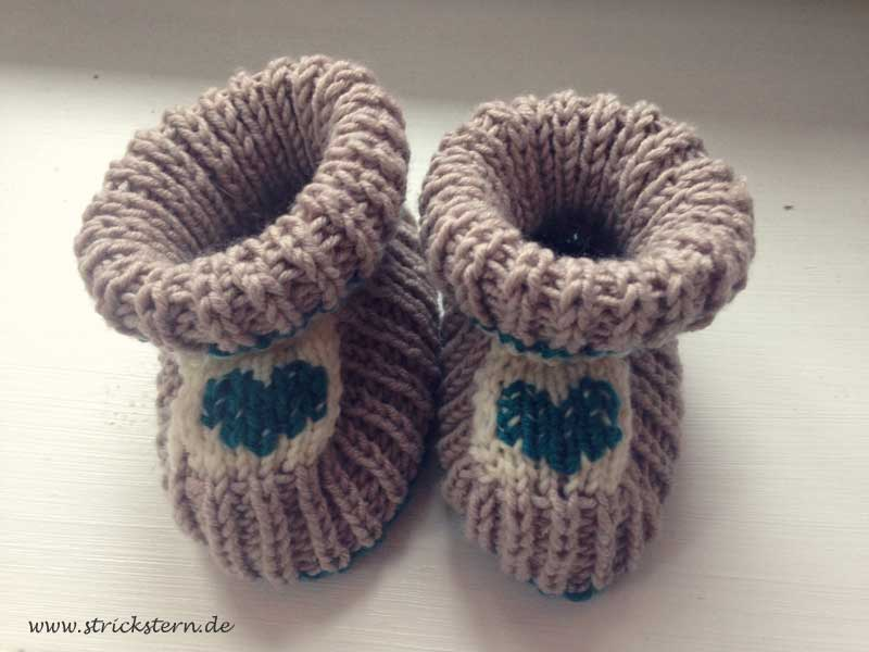 Funky Einfache Babyschuhe Strickmuster Collection - Decke Stricken ...