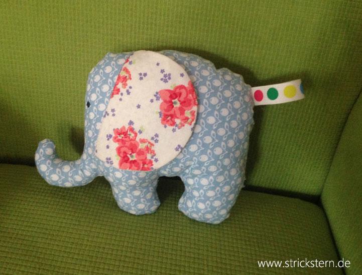 kuschel elefanten parade strickstern. Black Bedroom Furniture Sets. Home Design Ideas